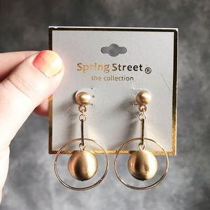 NEW Spring Street Collection Gold Dangly Earrings